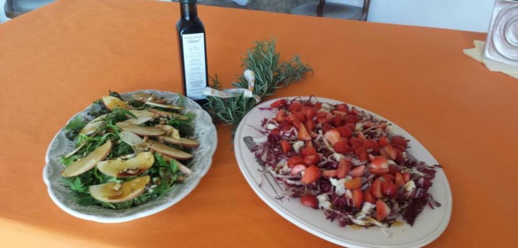 come si usa la saba: insalata fresca e fragole